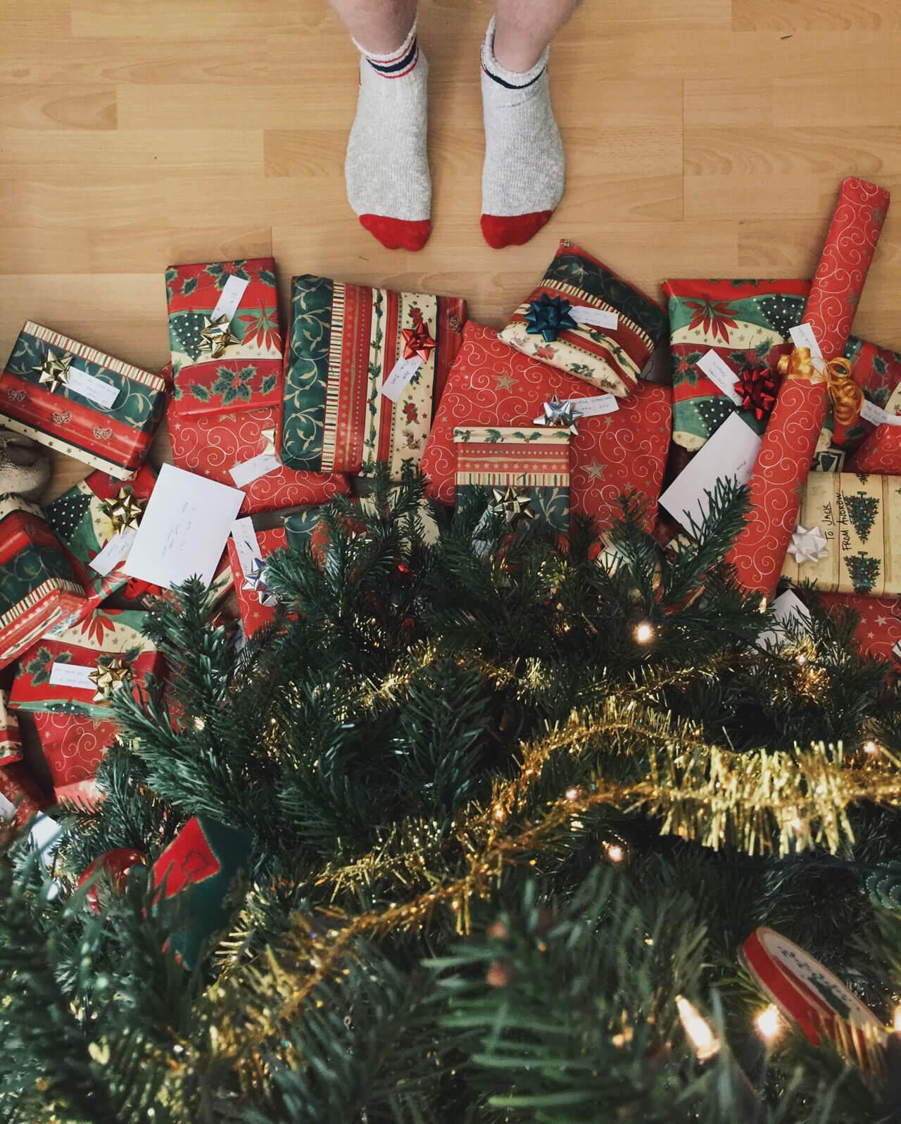 gdzie-wyrzucic-opakowania-po-prezentach