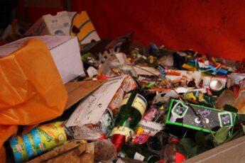 Jakie śmieci można wyrzucać do odpadów zmieszanych?