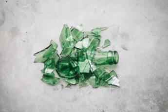 Życie śmieci – jak długo rozkładają się odpady?