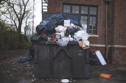 Kontenery i pojemniki kołowe do zbiórki odpadów stałych