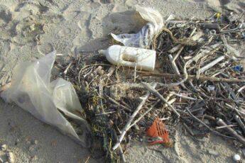 Nowe przepisy przyczynią się do zmniejszenia zanieczyszczenia mórz i oceanów.
