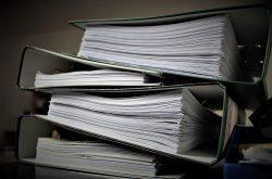 Jak przechowywać poufne dokumenty w firmie?