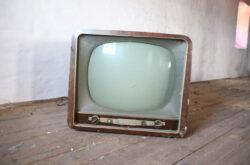 Co zrobić ze starym telewizorem?